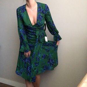 Lulus wrap dress NWT